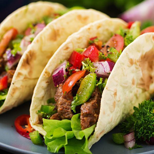 Tacos z krewetkami, mięsem i wegańskie - proste przepisy
