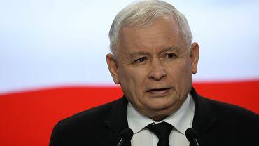 Jarosław Kaczyński podczas konferencji w kwaterze głównej  PiS. Warszawa, 5 kwietnia 2018