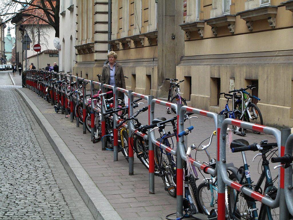 Amsterdam, Kopenhaga? Nie, to Szkoła Podstawowa nr 1 przy ul. Św. Marka w Krakowie