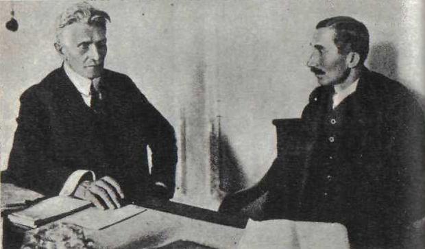 Premier rządu obrony narodowej Wincenty Witos (z prawej) i wicepremier, Ignacy Daszyński, 1920 r.