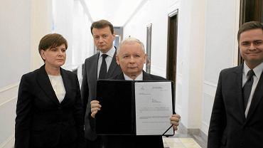 Prawo i Sprawiedliwość złożyło wczoraj wniosek o konstruktywne wotum nieufności dla rządu Donalda Tuska