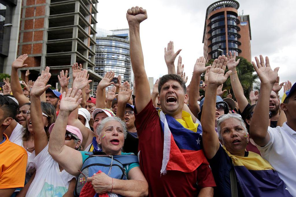 Zwolennicy lidera opozycji Huana Guaido w Caracas, 23.01.2019 r.