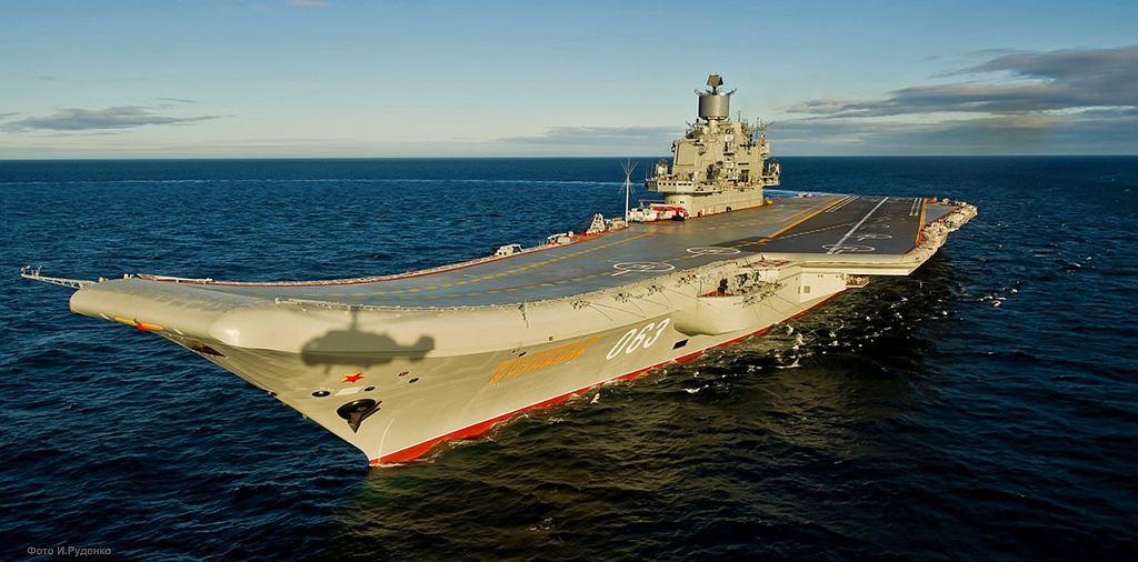 Rosyjski lotniskowiec Admirał Kuzniecow (zdjęcie ilustracyjne)