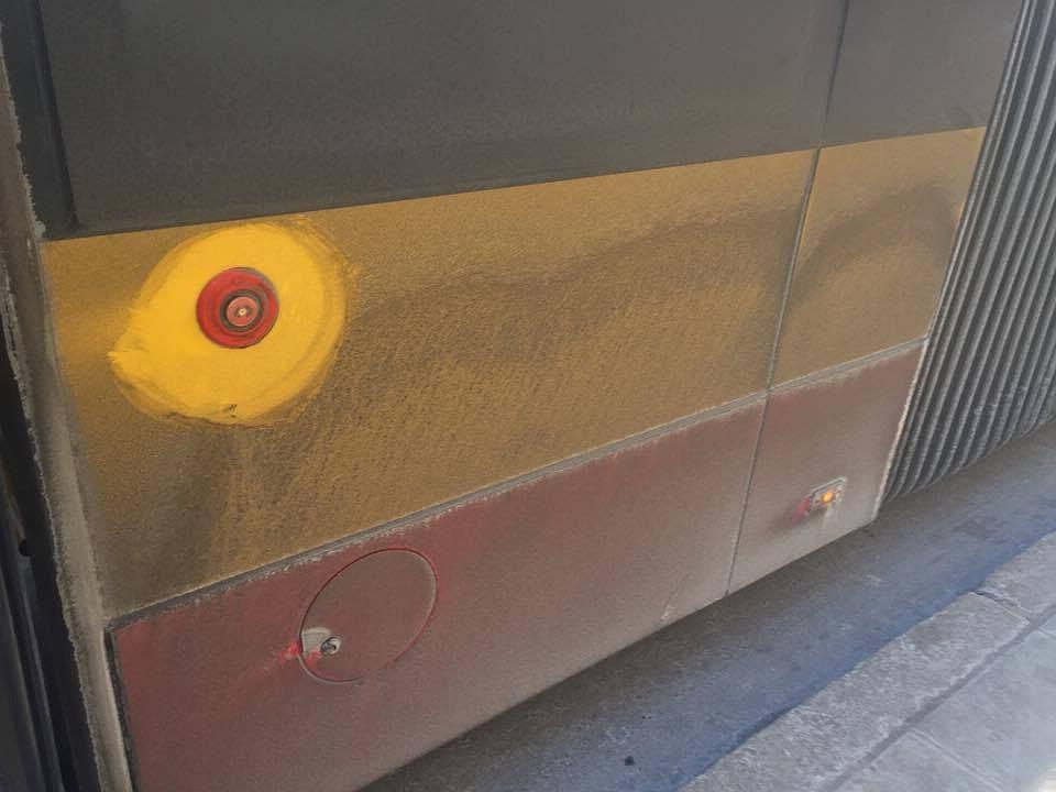 Brudne autobusy zaczynają przeszkadzać warszawiakom