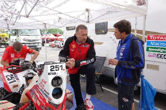 Rajd Dakar 2015. Rafał Sonik z ekipą