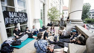 Protest studentów przeciw ustawie Gowina. UW, Warszawa, 5 czerwca 2018 r.