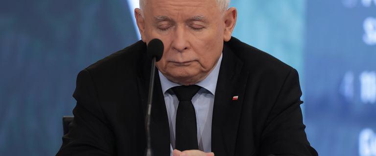 Kaczyński założył zegarek odwrotnie, niż powinien. Zaprezentował drogą markę