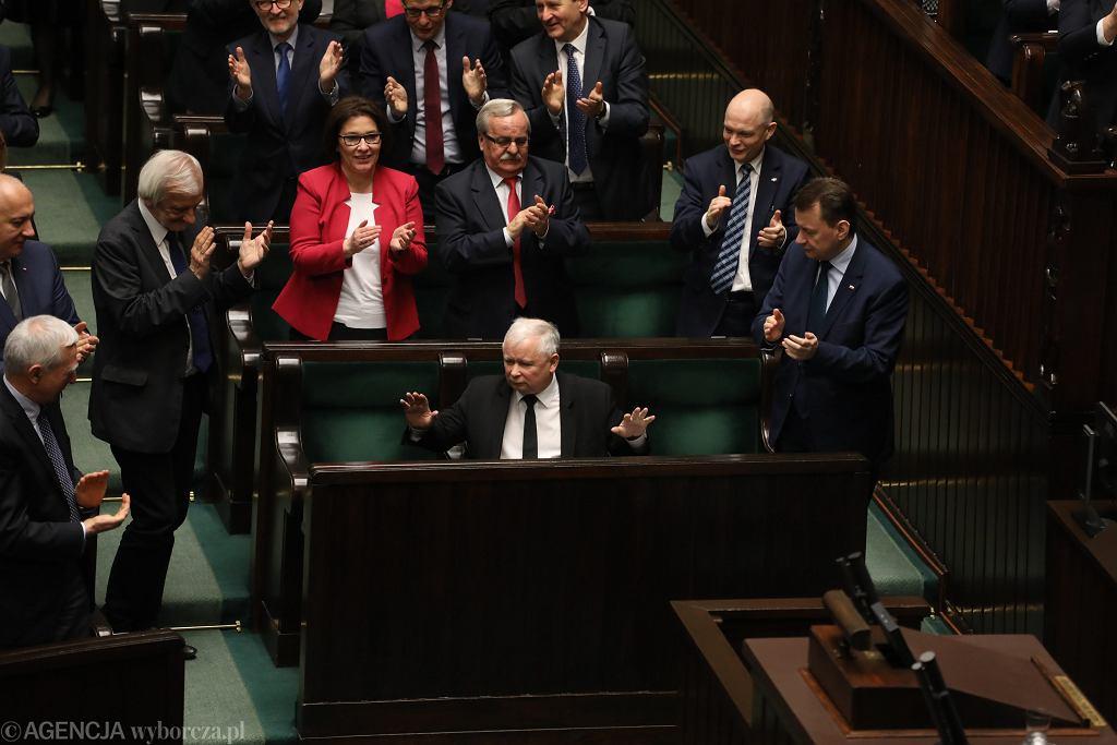 Prezes Jarosław Kaczyński, formalnie szeregowy poseł, debaty nt. wotum nieufnosci dla rządu PiS i prezes rady ministrów Beaty Szydło. 39 Posiedzenie Sejmu VIII Kadencji, Warszawa 7 kwietnia 2017