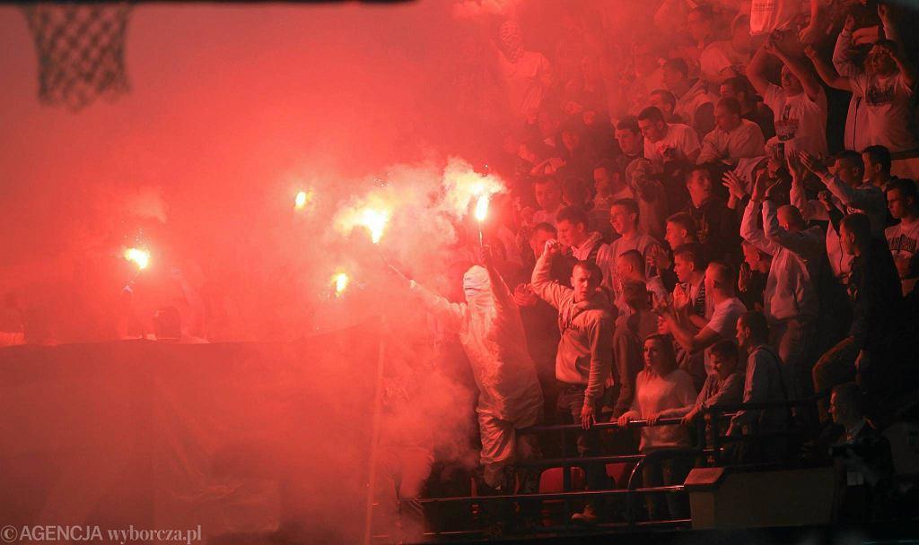 Racowisko podczas meczu Legia - Tychy na Torwarze