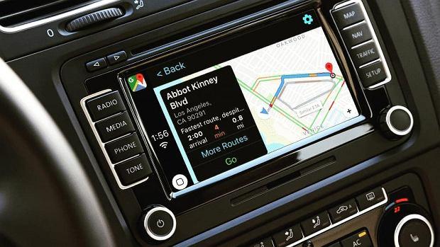 Google Maps w Apple CarPlay