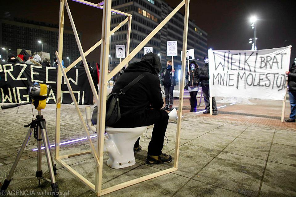 Demonstracja anarchistów na rynku w Katowicach