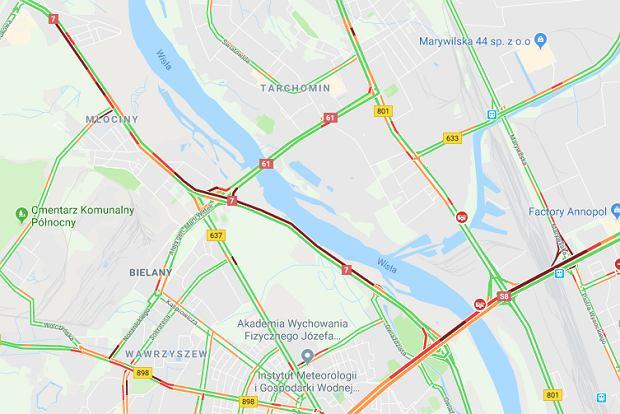 Warszawa. Zderzenie dwóch samochodów osobowych i autobusu