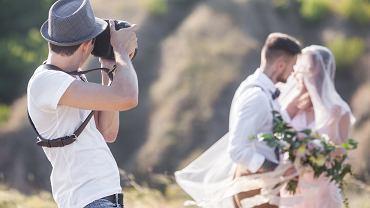 Fotograf ślubny. Zdjęcie ilustracyjne