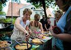 Nie zabrakło owocowych tart: była tarta z budyniem i truskawkami, tarta z gruszkami i tarta z jabłkami.  - Zdjęcia