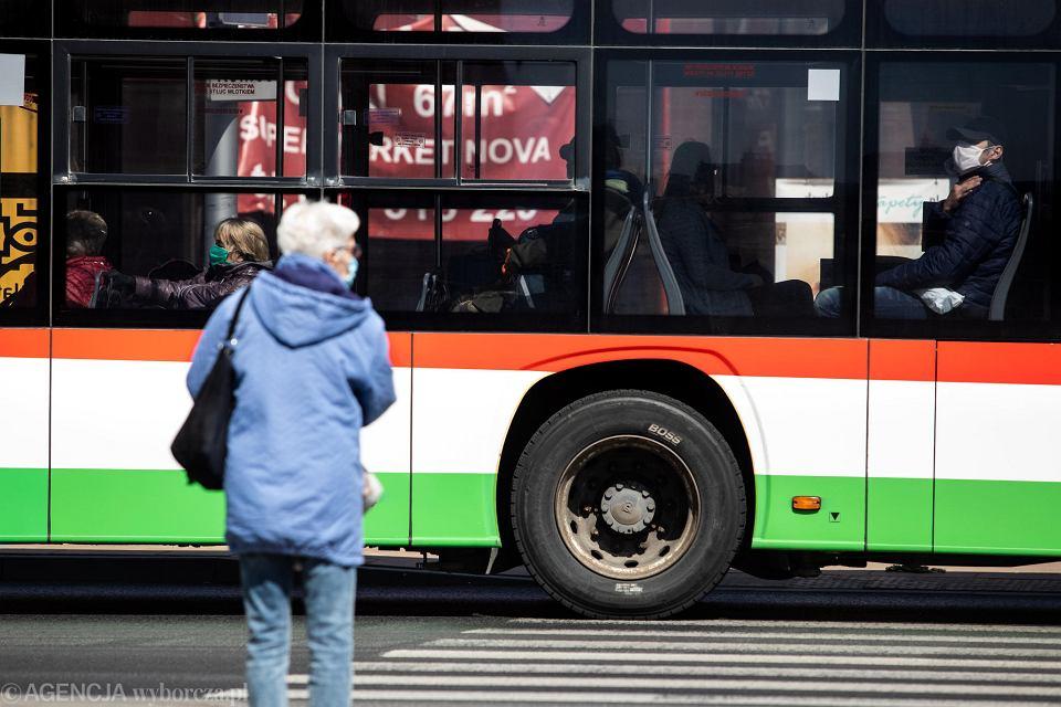 Zdjęcie numer 6 w galerii - Transport nad przepaścią. Tylko szybkie działania uratują resztkę połączeń poza miastami