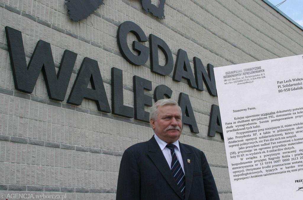 Lech Wałęsa, lotnisko w Gdańsku.