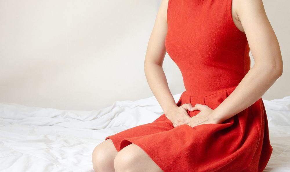 Swędzenie pochwy zazwyczaj kojarzy się z infekcją, której towarzyszy również pieczenie oraz zmieniona wydzielina z pochwy, czyli tak zwane upławy.
