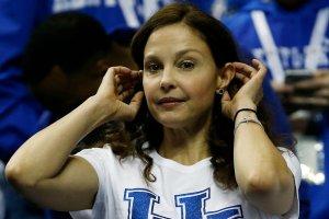 Ashley Judd na meczu koszykówki