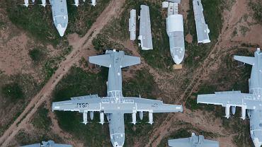 Samoloty transportowe C-130 na składowisku w Tucson. Pięć takich ma sobie wybrać Polska