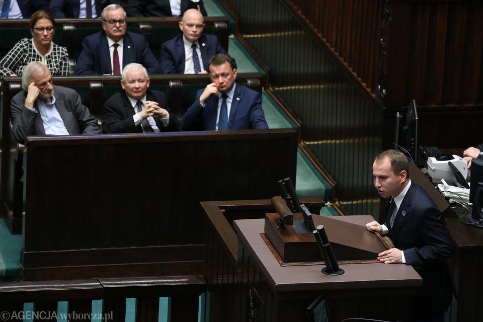 Poseł Adam Andruszkiewicz na mównicy. 71. posiedzenie Sejmu VIII Kadencji, Warszawa, 7 listopada 2018