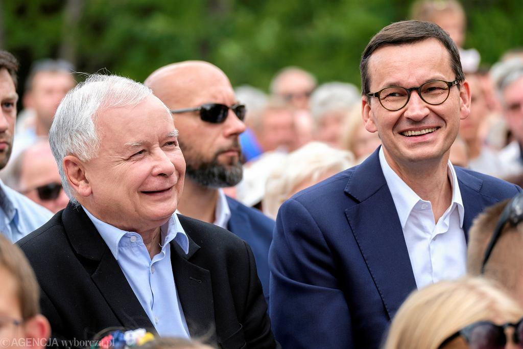 Prezes PiS Jarosław Kaczyński i premier Mateusz Morawiecki podczas pikniku rodzinnego PiS.