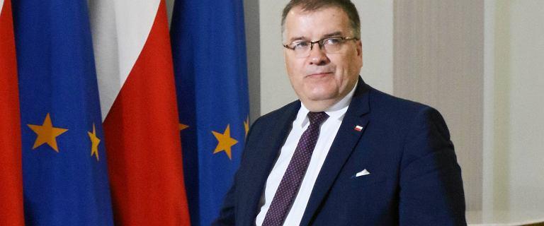 """Dlaczego Andrzej Duda milczy ws. protestów? """"Przebywa w miejscu odosobnienia"""""""