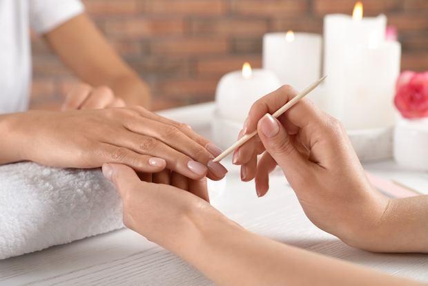 Jak zadbać o paznokcie?