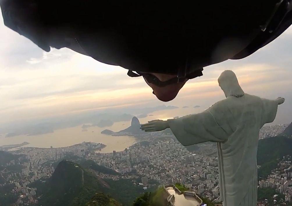 Lot wingsuit w Rio de Janeiro