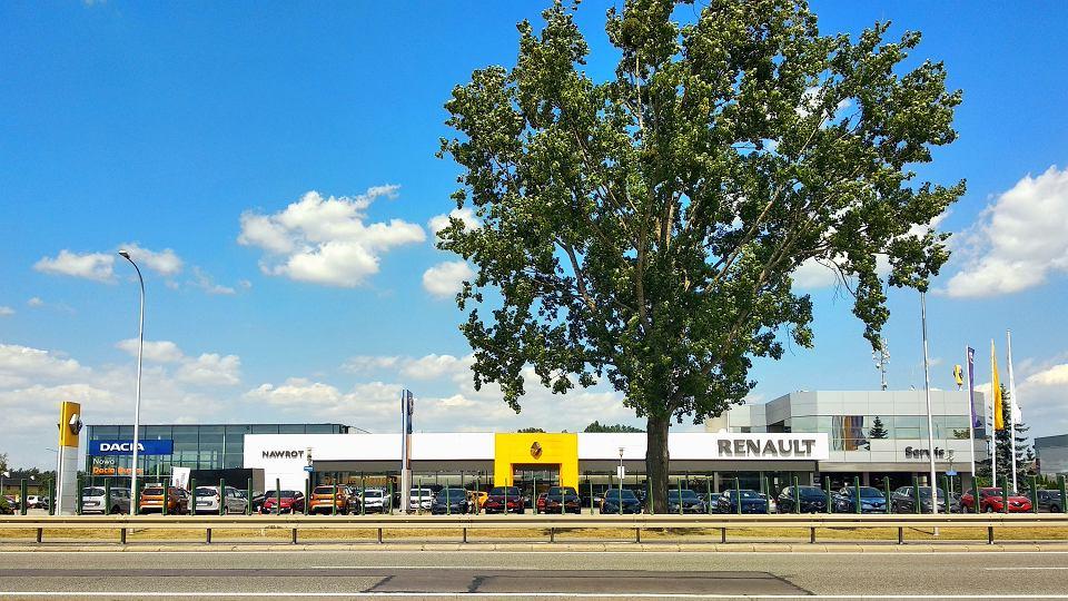 Salon samochodowy Nawrot w Długołęce, sprzedający marki Renault i Dacia, dzisiaj