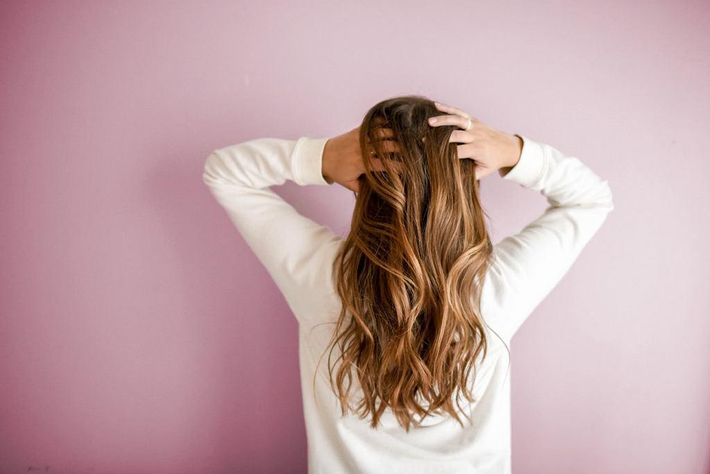 Sposoby Na Gęste Włosy Jak Pielęgnować Puszące Się Włosy