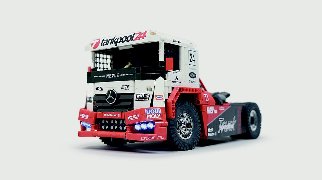Mercedes- -Benz Tankpool Racing Truck