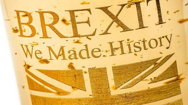Brexit. 600 zł za butelkę. Francuzi sprzedają złote wino z okazji wyjścia Wielkiej Brytanii z UE