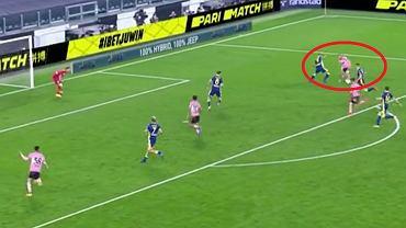 Dejan Kulusevski strzela gola w meczu Juventus - Hellas