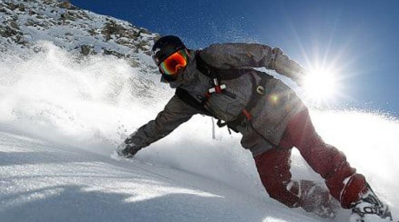 Bielizna termoaktywna zapewnia komfort w trakcie uprawiania sportów zimowych.