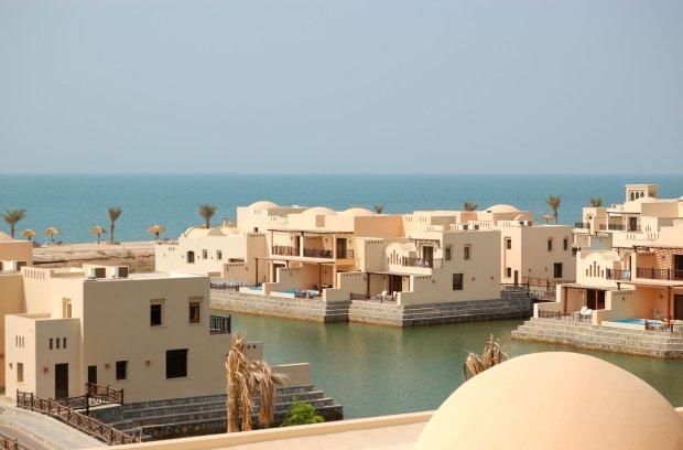 Jeden z kurortów w emiracie Ras Al-Chajma.