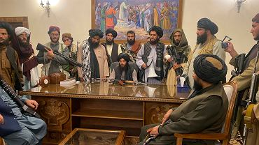 Talibowie tuż po zajęciu pałacu prezydenckiego w Kabulu, 15 sierpnia