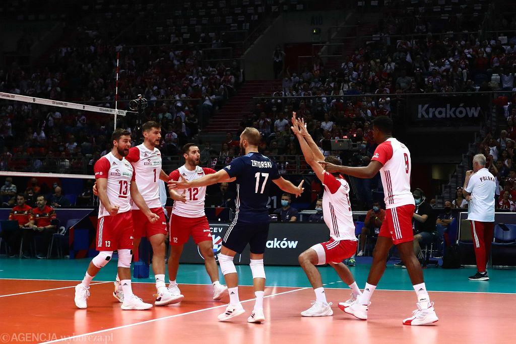 Polacy wygrali w Tauron Arenie Kraków z Belgami 3:0 (18, 24, 16).