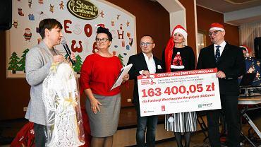 Fabryka św. Mikołaja przekazała czek Fundacji Wrocławskie Hospicjum dla Dzieci