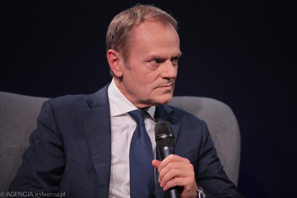 Donald Tusk podczas promocji swojej książki pt. 'Szczerze'. Warszawa, Centrum Premier Czerska 8/10, 14 grudnia 2019