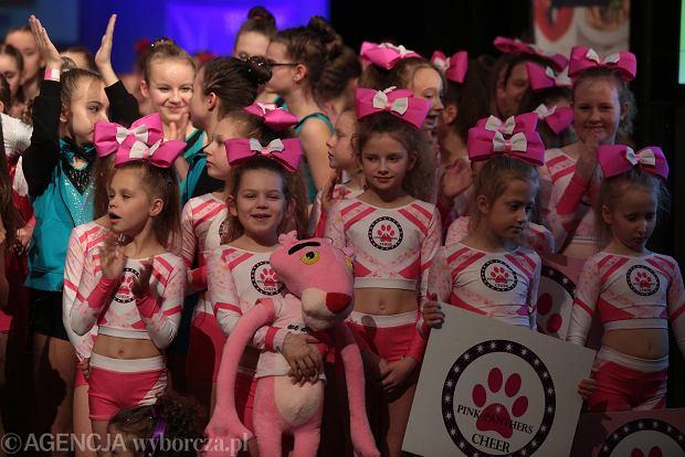 Zdjęcie numer 32 w galerii - Cheerleaderki rywalizują w Kielcach. Bo taniec nie jedną ma twarz [ZDJĘCIA]