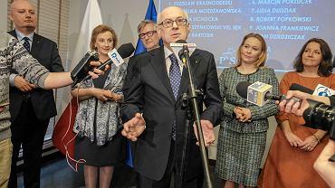 Wybory do europarlamentu 2019. Prof. Zdzisław Krasnodębski podczas prezentacji kandydatów PiS do Parlamentu Europejskiego w okręgu wielkopolskim