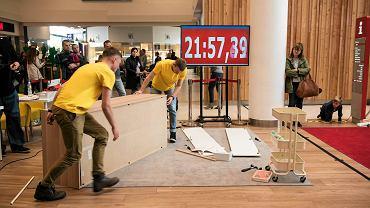 Na Bielanach skręcali meble z Ikei na czas [ZDJĘCIA, WIDEO]