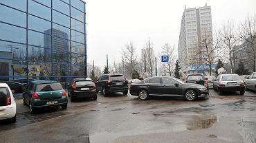 Katowice. samochody parkujące na Koszutce