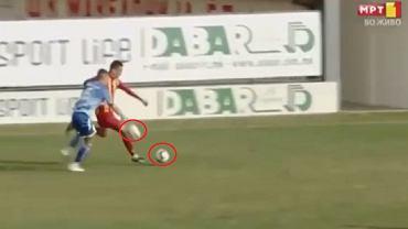 Kuriozalna sytuacja w lidze macedońskiej. Piłkarz przerwał akcję rzucając rywalowi drugą piłkę pod nogi