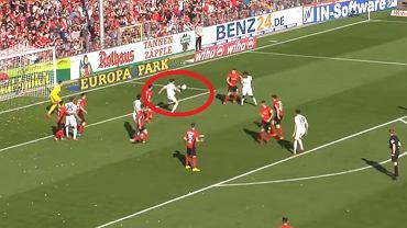 Robert Lewandowski strzela gola