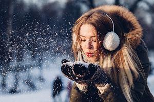 Kurtki i płaszcze puchowe - idealne rozwiązanie na zimowe wycieczki. Przegląd niedrogich modeli dla całej rodziny
