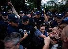 Policja po zajściach przed Sejmem: Funkcjonariusze działali zgodnie z przepisami