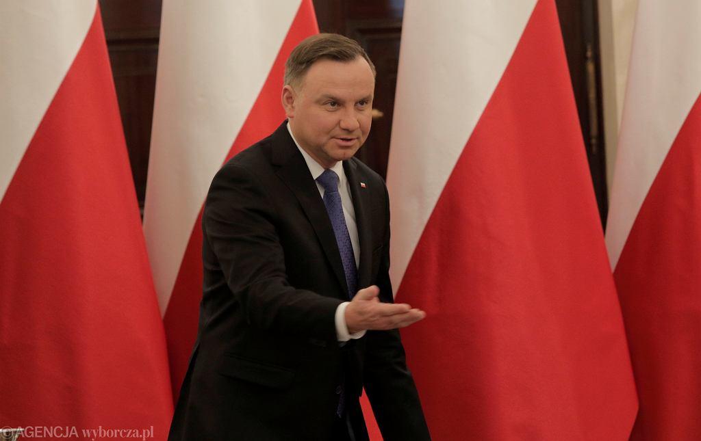 Prezydent Andrzej Duda podczas spotkania z przedstawicielami instytucji finansowych w związku z pandemią koronawirusa. Warszawa,12 marca 2020