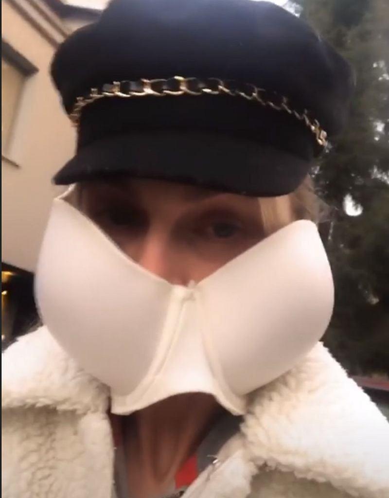 Sylwia Gliwa zrobiła sobie maseczkę ochronną ze stanika. I tak wyszła na miasto