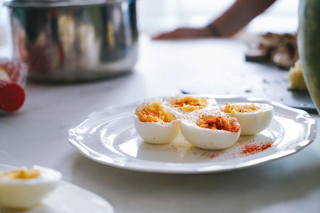 Ile kalorii mają jajka?